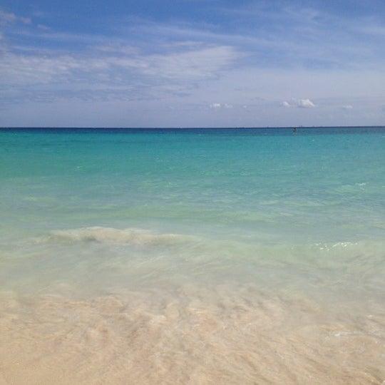 Foto tomada en Kool Beach Club por Jessica E. el 11/29/2012