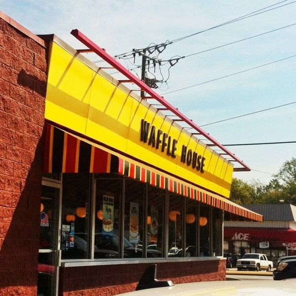 Photo taken at Waffle House by amardeep s. on 9/27/2012