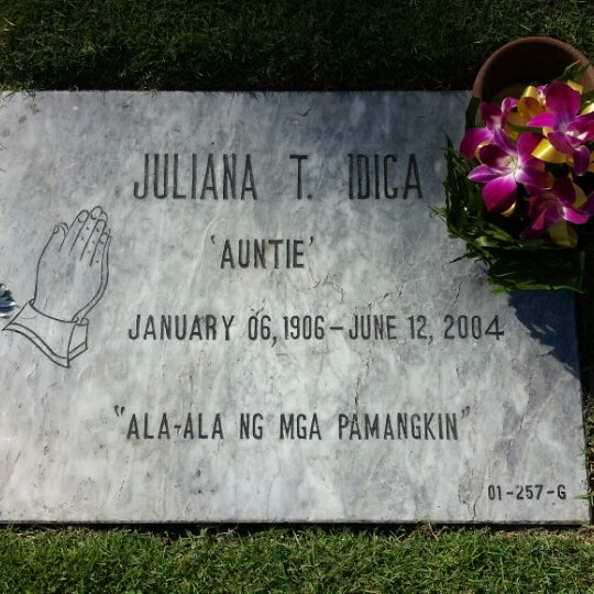 Photo taken at Manila Memorial Park by Ferdinand M. on 10/28/2013