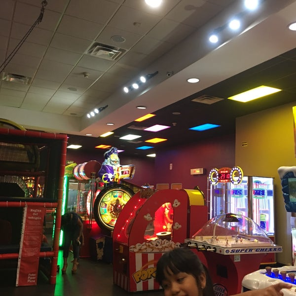 Photo taken at Peter Piper Pizza by Carlos M. on 7/27/2017
