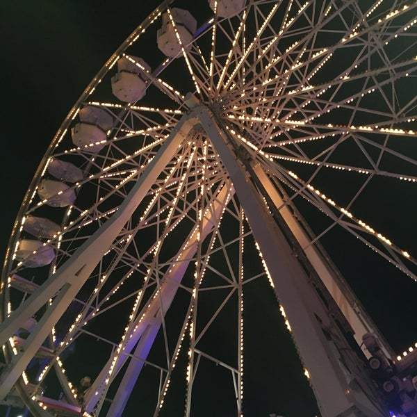Photo taken at Ferris Wheel At The Pike by Nallely G. on 7/10/2016