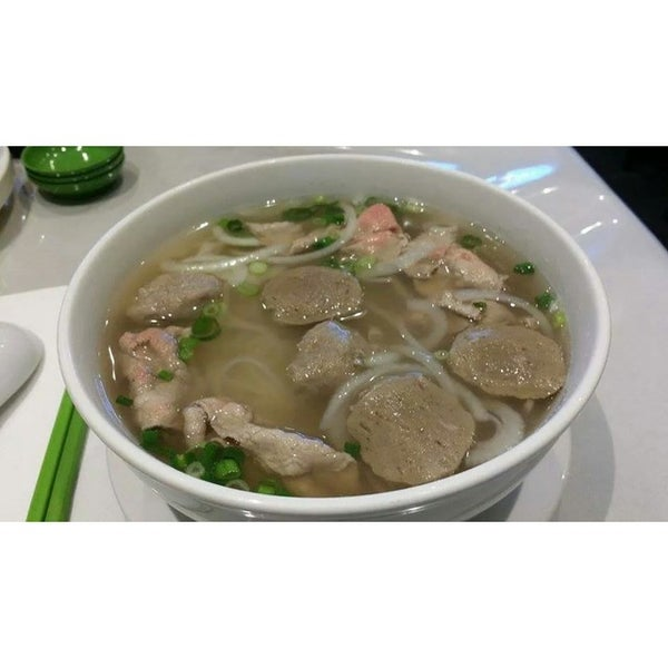 Photo taken at Ha Long Pho Noodle House by Jacie K. on 9/23/2014