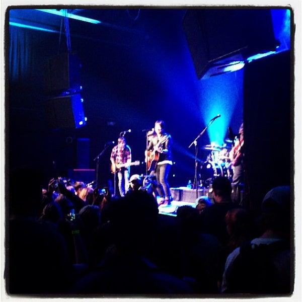 รูปภาพถ่ายที่ Summit Music Hall โดย Reghan O. เมื่อ 8/7/2013