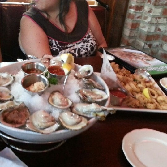 Photo taken at Pappadeaux Seafood Kitchen by Michael John Z. on 6/30/2013