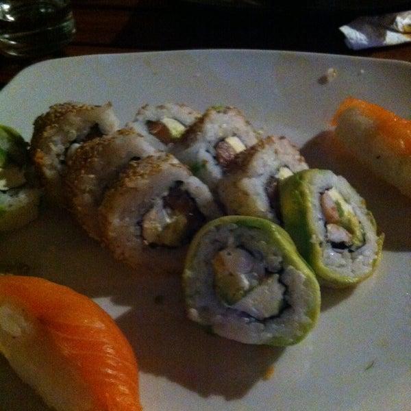 12/5/2013 tarihinde Luisitoziyaretçi tarafından Nagai Sushi'de çekilen fotoğraf
