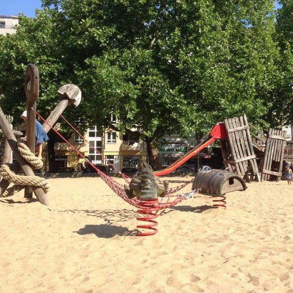 spielplatz kollwitzplatz playground in berlin. Black Bedroom Furniture Sets. Home Design Ideas