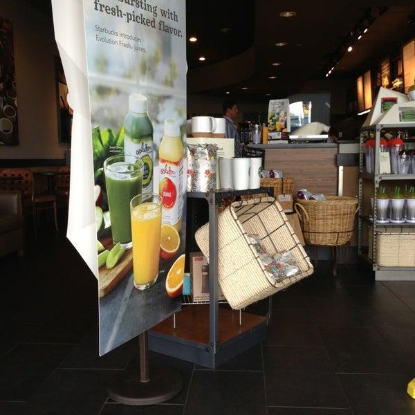 5/28/2013에 Trish H.님이 Starbucks에서 찍은 사진
