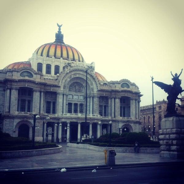 Foto tomada en Palacio de Bellas Artes por Adri S. el 10/17/2013