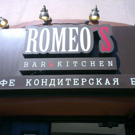 Foto tomada en Romeo's Bar & Kitchen por Влад П. el 6/22/2013