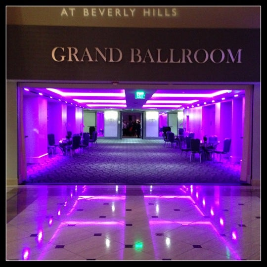 Photo taken at InterContinental Los Angeles Century City by Billy U. on 12/15/2012