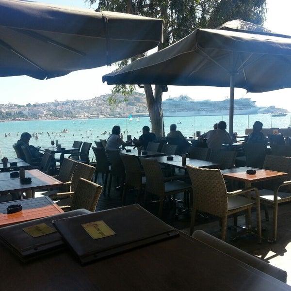 7/3/2013 tarihinde Selman Y.ziyaretçi tarafından Cafe Marin'de çekilen fotoğraf
