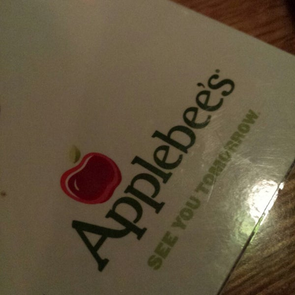 Photo taken at Applebee's Neighborhood Grill & Bar by Nathan B. on 3/4/2014