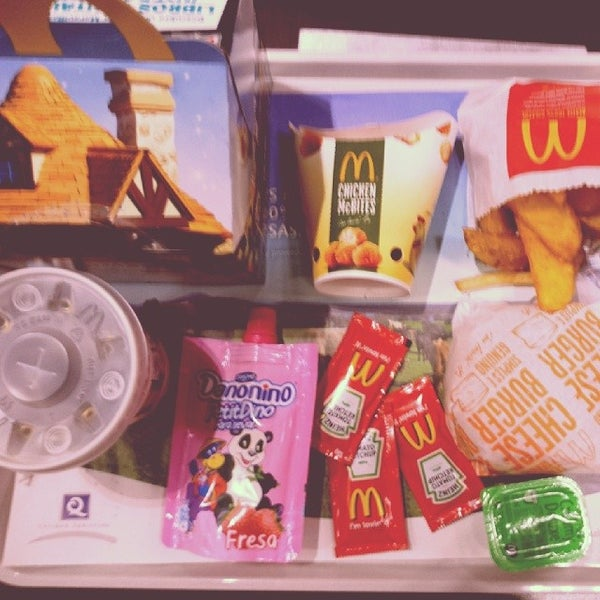 Photo taken at McDonald's by Asstyle A. on 11/30/2013