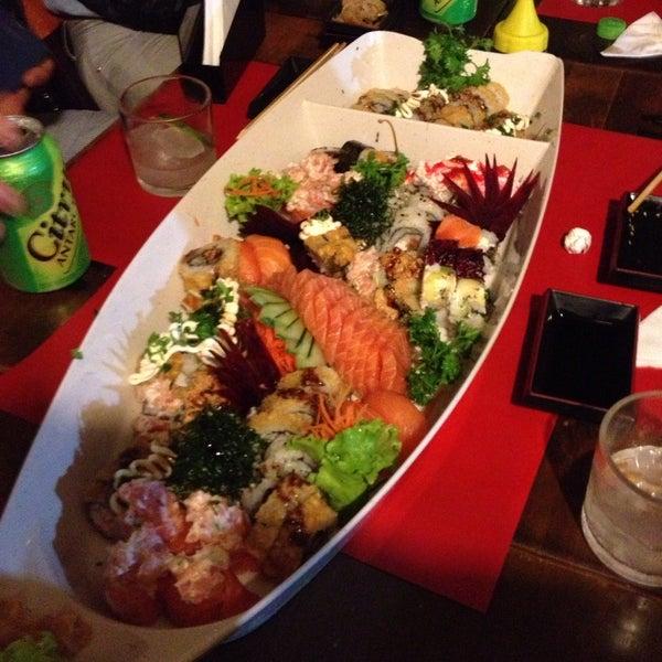 Foto tirada no(a) Hachi Japonese Food por Péricles Soubhia G. em 6/2/2013