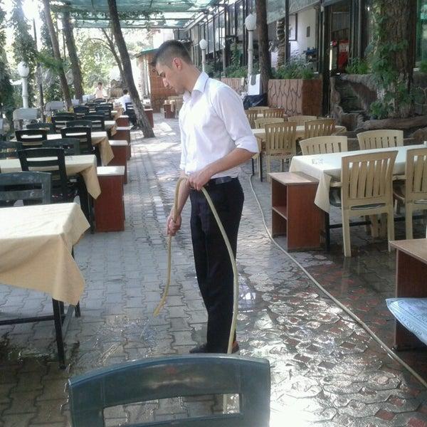 7/11/2013 tarihinde Mecnun Ü.ziyaretçi tarafından Çamaltı Restaurant'de çekilen fotoğraf
