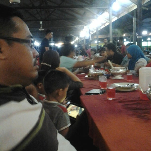 Photo taken at Aroma Ikan Bakar by Arejip A. on 6/1/2013