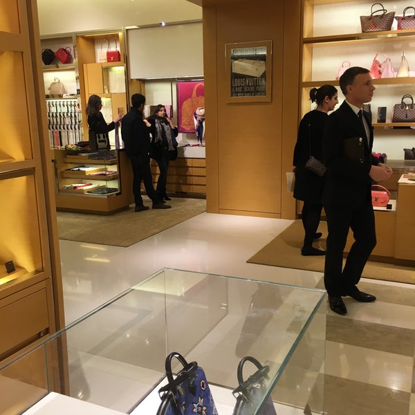 Photo taken at Louis Vuitton by Xahid C. on 1/30/2016