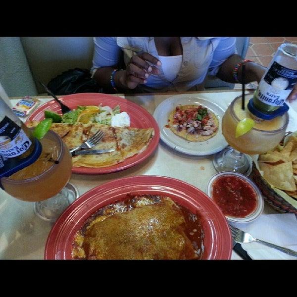 Foto tomada en Fiesta Martin Mexican Grill por Christine B. el 8/23/2013