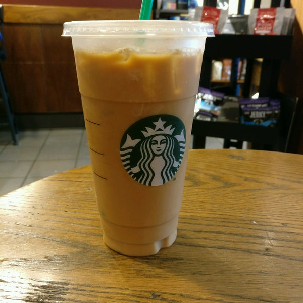Photo taken at Starbucks by Shawn L. on 8/12/2016