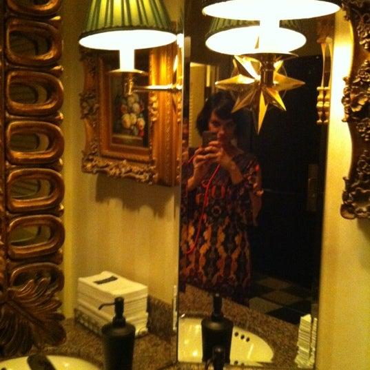 10/6/2012 tarihinde Colleen D.ziyaretçi tarafından The Capital Grille'de çekilen fotoğraf