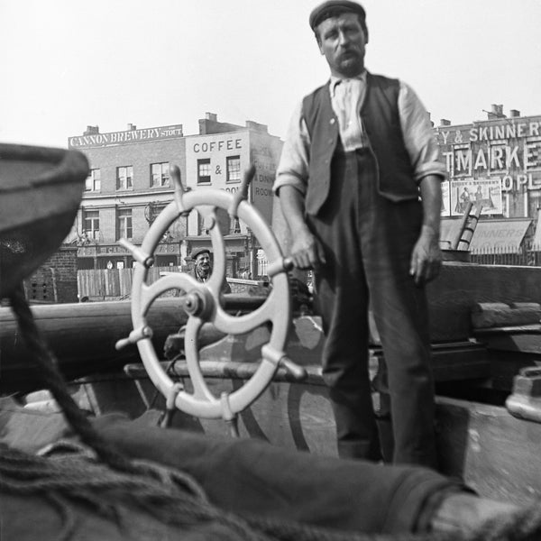 Last weekend this weekend to see the exhibition Hackney Heritage Then and Now. Social history of the canal in Hackney.