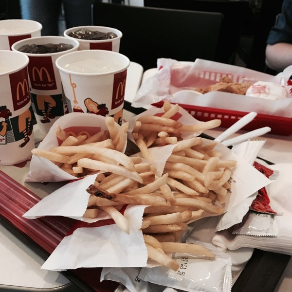 Photo taken at McDonald's by Hafz 🍉 on 2/26/2016