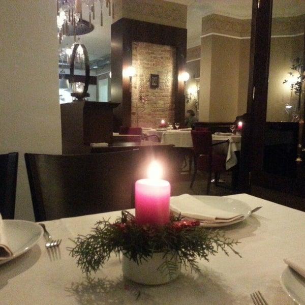 12/5/2013 tarihinde Ceyda S.ziyaretçi tarafından Honça Anatolia Cuisine'de çekilen fotoğraf