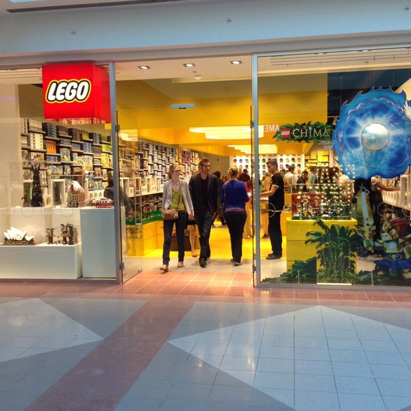 Photo taken at LEGO Store by Steven W. on 9/26/2013