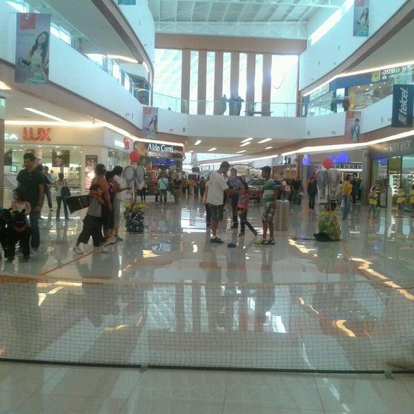 Centro Comercial Galerias: Centro Comercial En Saltillo