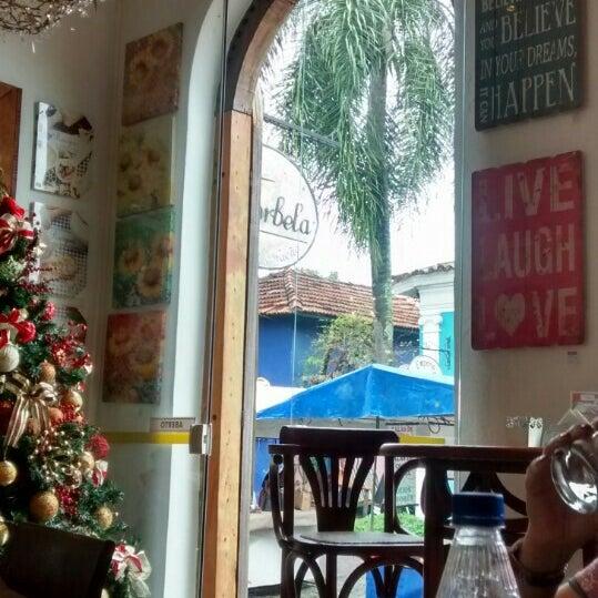 Foto tirada no(a) Florbela Café por Loren M. em 12/20/2015