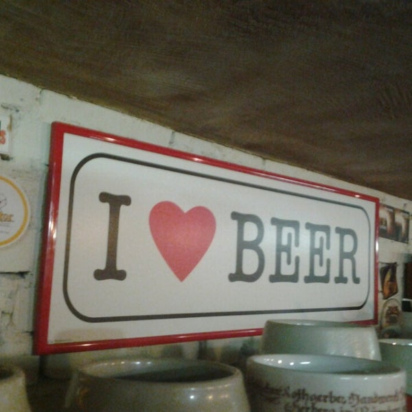 Снимок сделан в Beer Point пользователем Helen K. 6/13/2013