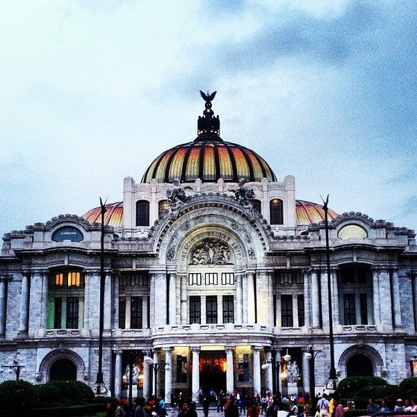 Foto tomada en Palacio de Bellas Artes por Ramiro Á. el 5/13/2013