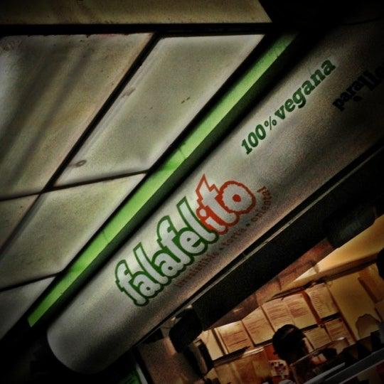 Foto tomada en Falafelito por Diego A. el 9/30/2012