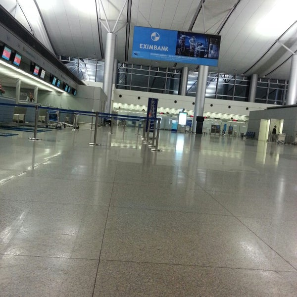 Photo taken at Tan Son Nhat International Airport (SGN) by Nurul S. on 6/16/2013