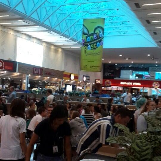 Foto tirada no(a) Shopping Neumarkt por Magrit W. em 4/16/2014