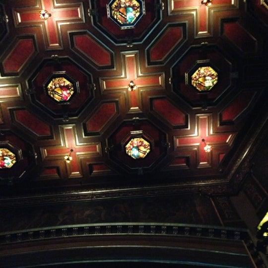 รูปภาพถ่ายที่ Belasco Theatre โดย Randy H. เมื่อ 11/18/2012