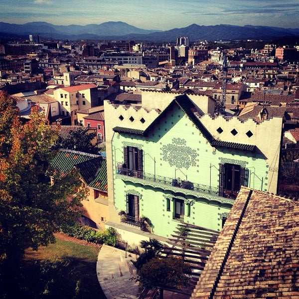 Where's Good? Holiday and vacation recommendations for Girona, Spain. What's good to see, when's good to go and how's best to get there.