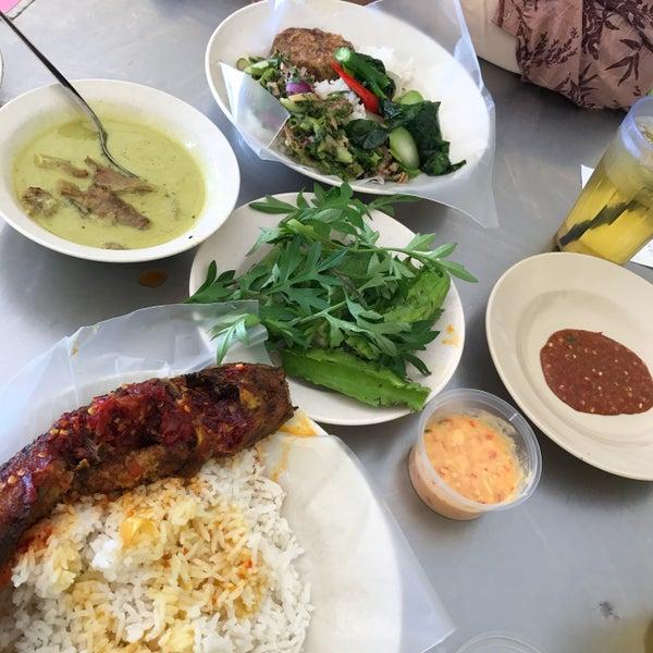 Photo taken at MABIQ Restaurant by Aqila I. on 2/21/2017
