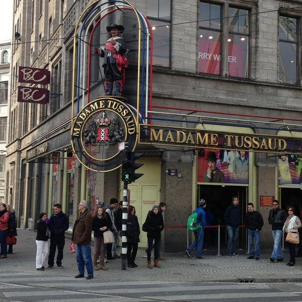 Photo taken at Madame Tussauds by Alex G. on 4/8/2013