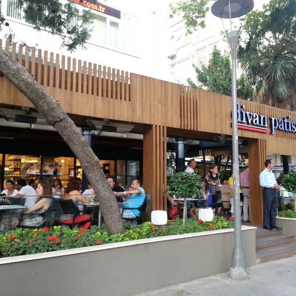 Divan pub restaurant in kad k y for Divan restaurant