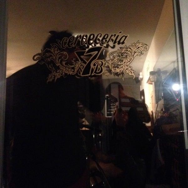Foto tomada en Cervecería 7B por Libelulario el 7/5/2014