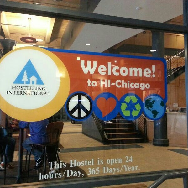 Photo taken at Hostelling International Chicago by Diógenes D. on 5/4/2013