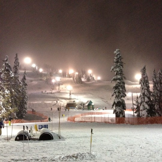 Photo taken at Cypress Mountain Ski Area by Jung Eun Y. on 12/29/2012