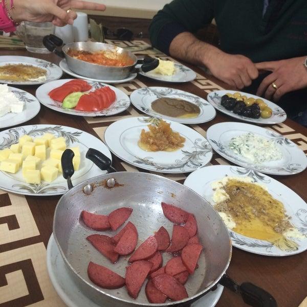 4/5/2014 tarihinde Hatice S.ziyaretçi tarafından Yeni İmsak Kahvaltı Salonu'de çekilen fotoğraf