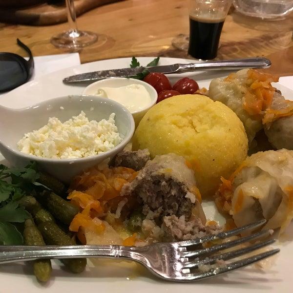 Снимок сделан в Admiral Restaurant пользователем Ivan V. 2/25/2018
