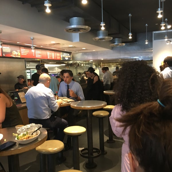 Photo taken at Chipotle Mexican Grill by Ian James R. on 7/17/2017