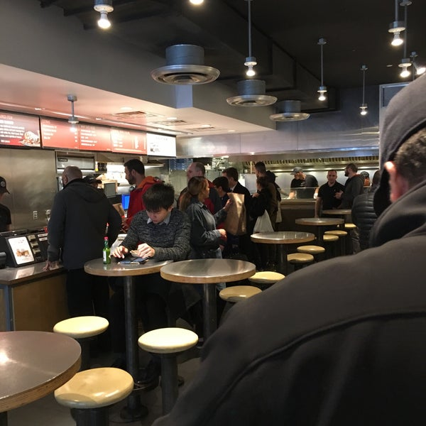 Photo taken at Chipotle Mexican Grill by Ian James R. on 3/27/2017