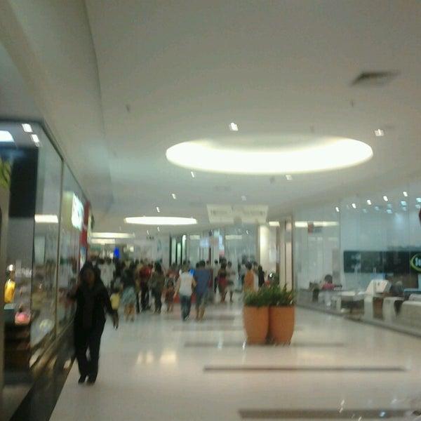 Foto tirada no(a) Boulevard Shopping Campos por Caio H. em 6/16/2013