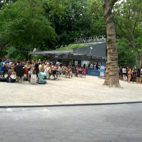 Foto diambil di Madison Square Park oleh Franqueli M. pada 6/23/2013