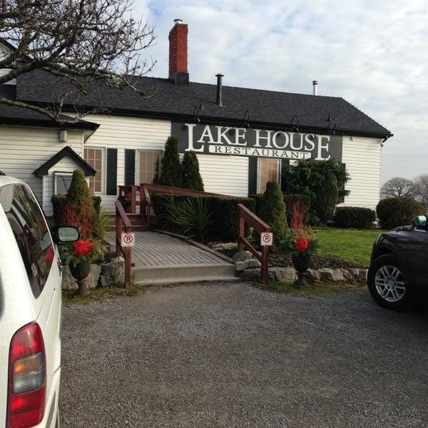 Photo taken at Lake House Restaurant by Igor L. on 12/19/2012